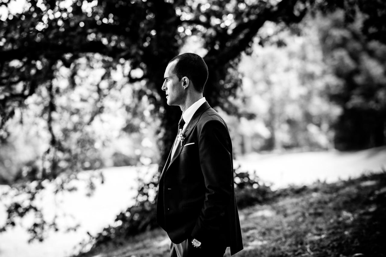 retrato del novio en una boda en guadalupe