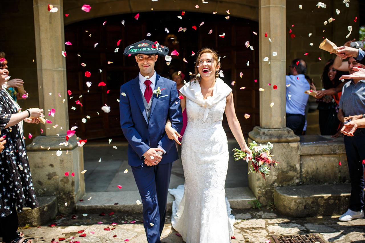 salida de los novios en una boda en guadalupe