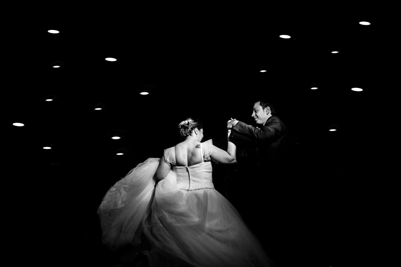 el primer baile de los novios en el restaurante de alalaia