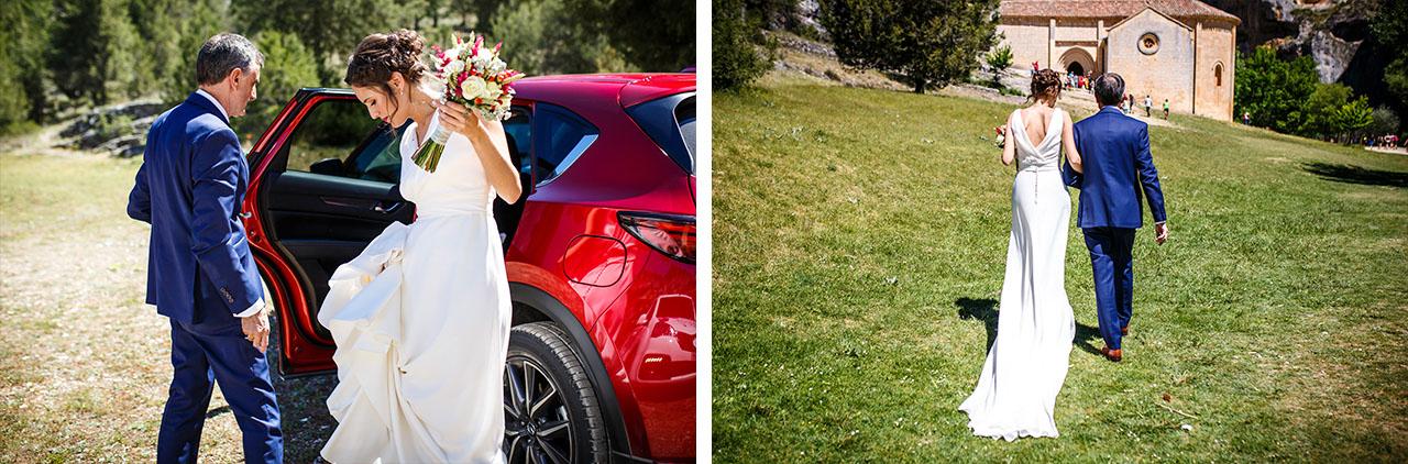 la novia de camino a la iglesia con el padrino en una boda en soria